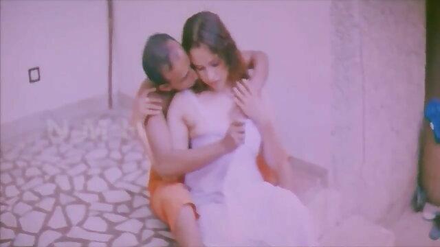 کٹر مقعد سکس دختران و پسران نوجوان Dildo کے ساتھ مشت زنی چھوٹے