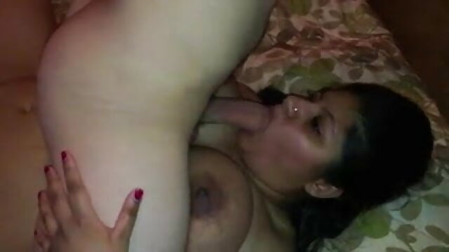 شوہر دودھ پیتا سکس دختر ۱۵ ساله
