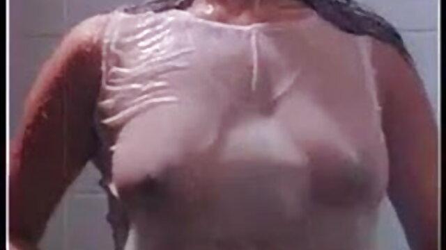 Masseuse کرتا مساج کے ارکان پر فیلم سکس زن جلو شوهر