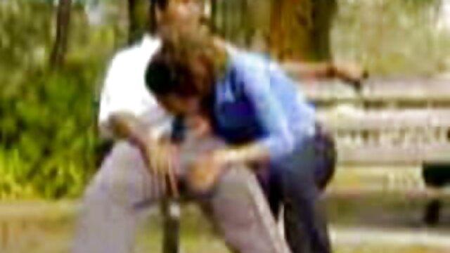 لڑکی سکس با کوتوله ها پراسرار نقاب پوش اسے چوسنا تمام لوگوں پارک میں اور مجھے فیصلہ