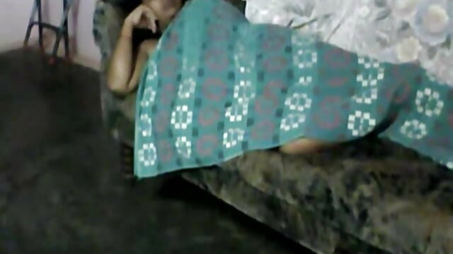 ایک خفیہ کیمرے سکس با عروسک های سکسی اصل میں ایک نامعلوم لڑکی