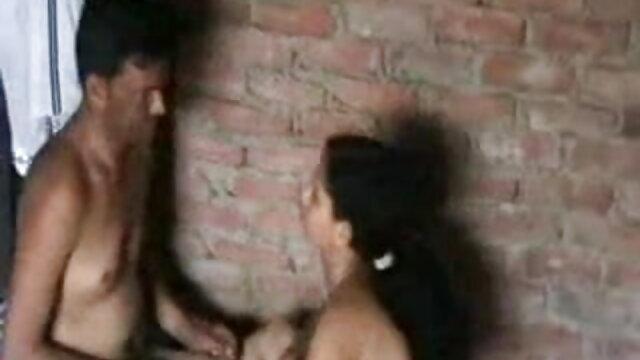 روسی جوڑے میں سکس با زنان هیکلی ایک جھونپڑی