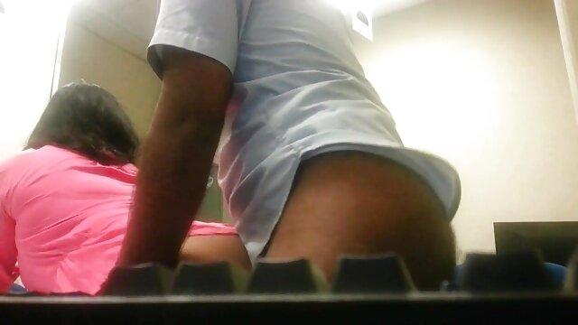 موزے فیلم های سکسی خوب اور منزل پیشاب